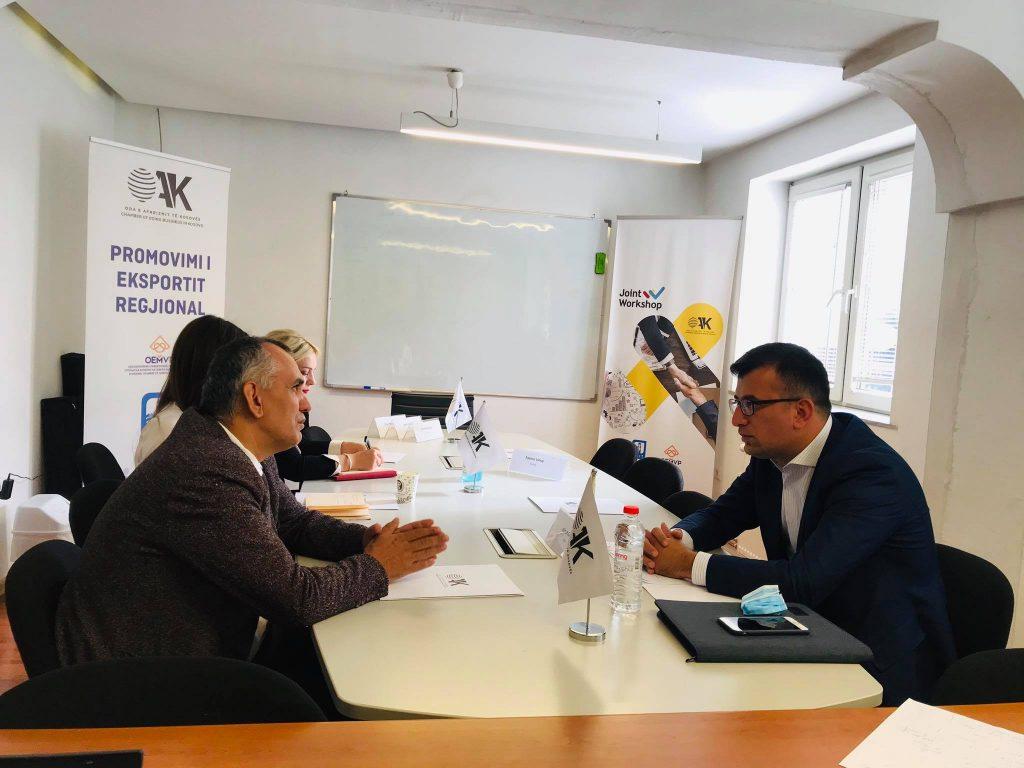 OAK riftoi në takim shefat e Grupeve Parlamentare